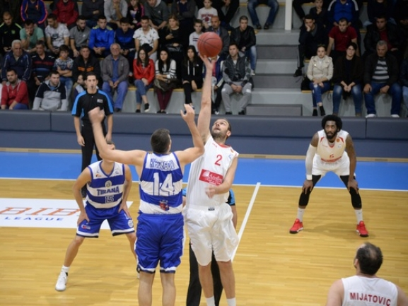 Blokotehna didn′t give chance to Tirana for an impressive debut