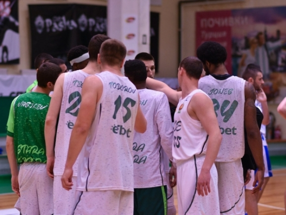 Domestic leagues: Beroe completes another playoff sweep