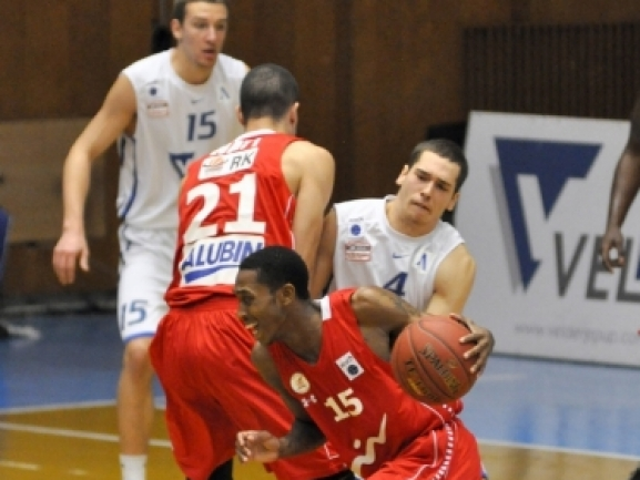 Domestic leagues: Big game from Rakim Sanders gives Galil Gilboa in important win