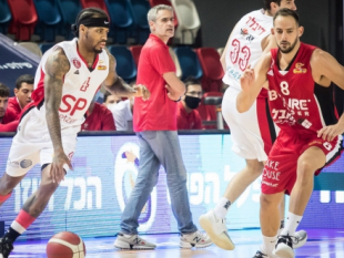 Hapoel Haifa is back in the hunt for first place after winning in Tel Aviv